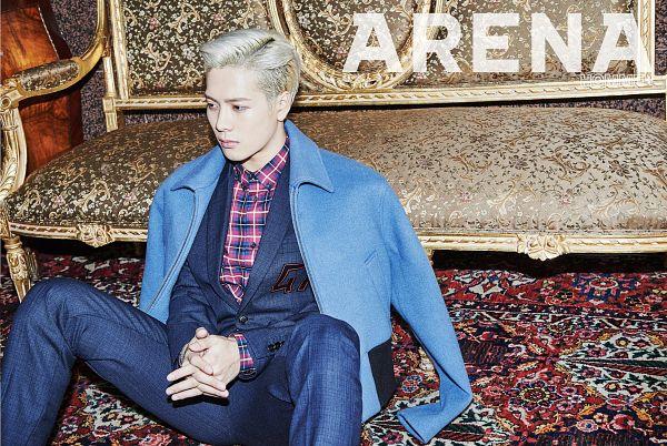 Tags: JYP Entertainment, K-Pop, Got7, Jackson, Checkered Shirt, Blue Pants, Checkered, Interlocked Fingers, Sitting On Ground, Blue Jacket, Blue Outerwear, Holding Hands