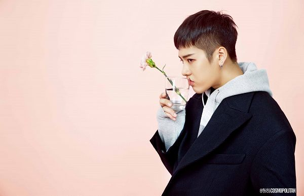 Tags: K-Pop, Got7, Jackson, Flower, Cup, Water, Pink Background, Hoodie, Glass (Cup), Side View, Wallpaper, Cosmopolitan China