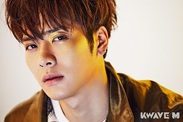Tags: K-Pop, Got7, Jackson, Short Hair, Brown Outerwear, Gray Background, Earrings, Simple Background, Jewelry, KWave M, Wallpaper, Magazine Scan