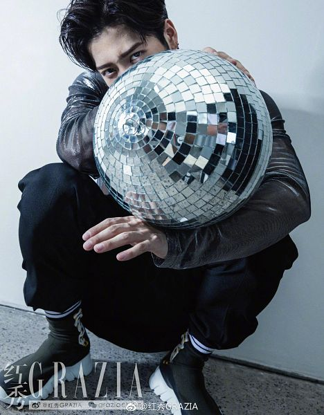 Tags: K-Pop, Got7, Jackson, Pants, Leather Jacket, Ball, Chinese Text, Black Pants, Disco Ball, Crouching, Black Jacket, Black Outerwear