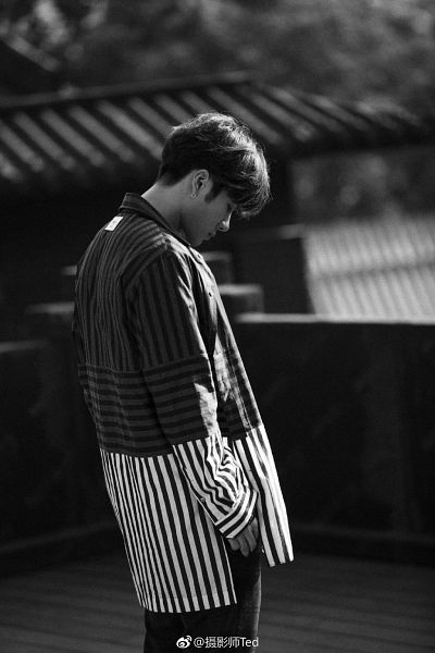 Tags: K-Pop, Got7, Jackson, Side View, Text, Chinese Text, Looking Down, Monochrome, Striped, Earrings, Looking Ahead, Striped Shirt