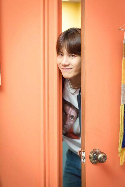 Tags: K-Pop, C-Pop, Got7, #Mood, Jackson, Necklace, Door