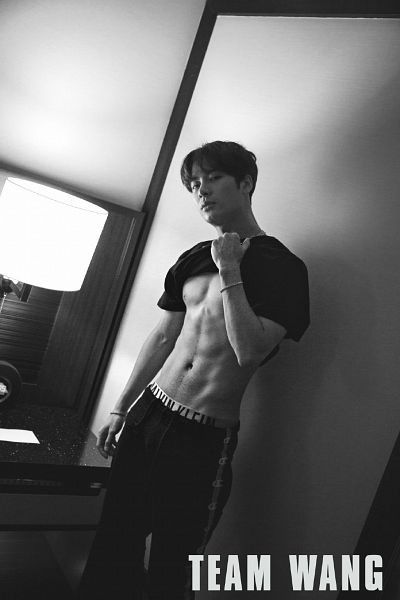 Tags: K-Pop, Got7, Jackson, Serious, Abs, English Text, Lamp, Monochrome, Shirt Lift, Bracelet, Short Sleeves, Weibo