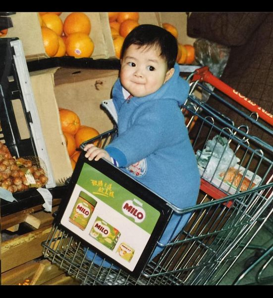Tags: K-Pop, Got7, Jackson, Hoodie, Child, Blue Outfit, Orange (Fruit), Shopping Cart, Hood, Fruits, Predebut