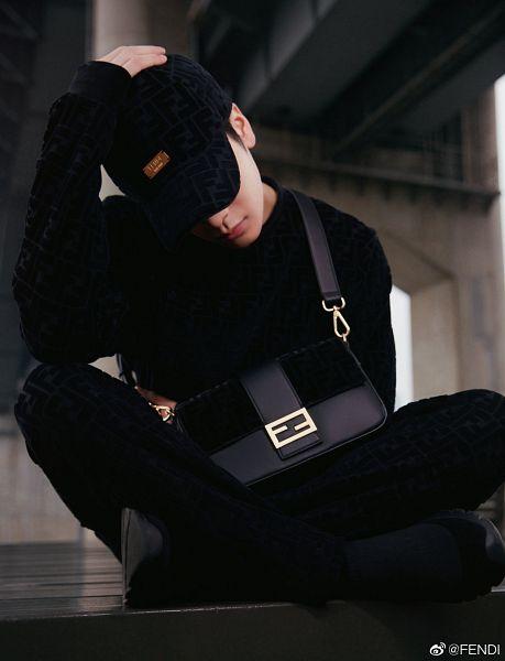 Tags: K-Pop, Got7, Jackson, Black Pants, Hat, Bag, Bridge, Looking Down, Hand On Head, Fendi