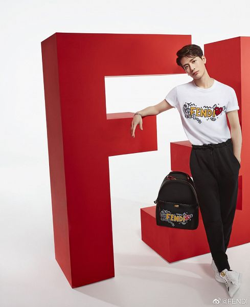 Tags: K-Pop, Got7, Jackson, Short Sleeves, Bracelet, Serious, Black Pants, Hand In Pocket, Bag, Backpack, Fendi