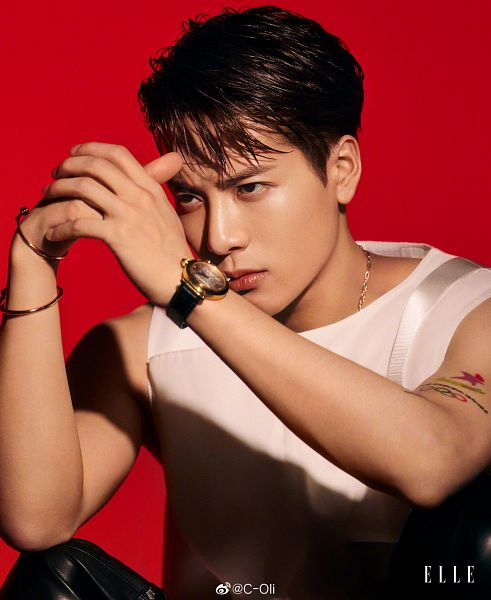 Tags: K-Pop, Got7, Jackson, Tattoo, Red Background, Sleeveless Shirt, Sleeveless, Necklace, Bare Shoulders, Bracelet, Serious, Tank Top