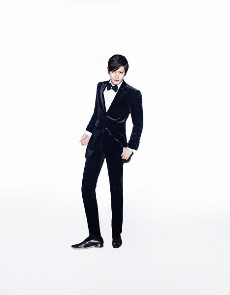 Tags: K-Pop, Block B, Very Good (song), Jaehyo, Black Jacket, Suit, Light Background, Black Footwear, White Background, Socks, Black Outerwear, Black Pants