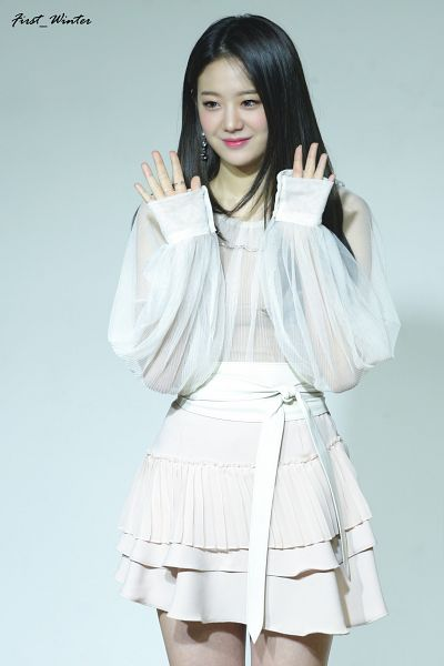 Tags: K-Pop, fromis 9, Jang Gyuri, White Background, White Skirt, Wave, Looking Down, Skirt, Light Background
