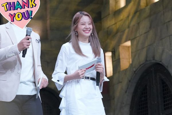 Tags: K-Pop, fromis 9, Jang Gyuri, Belt, Eyes Half Closed, Text: Thank You, White Outfit, White Dress