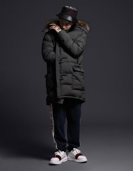 Tags: AOMG, K-Pop, Jay Park, Looking Ahead, Sneakers, Dark Background, Shoes, Covering Mouth, Looking Down, Coat, White Footwear, Black Background