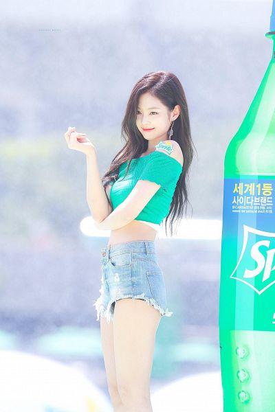 Tags: K-Pop, Black Pink, Jennie Kim, Looking Ahead, Jeans, Green Shirt, Crop Top, Denim Shorts, Midriff, Bare Shoulders, Shorts, Sprite