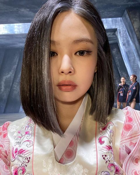 Tags: K-Pop, Black Pink, Jennie Kim, Hanbok, Pink Outfit, Medium Hair, Traditional Clothes, Pink Dress, Korean Clothes