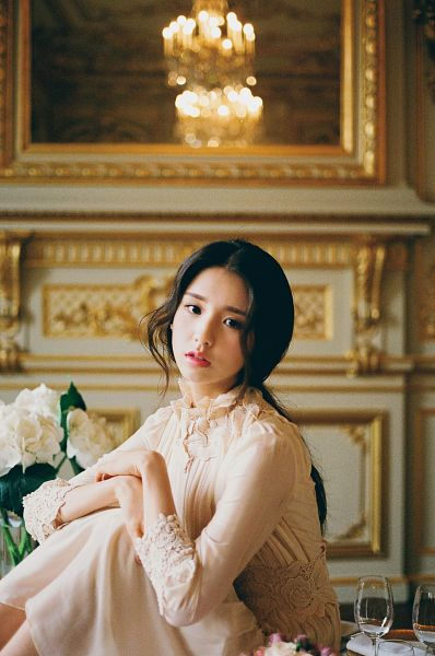Tags: K-Pop, LOOΠΔ, ViVid, Jeon Heejin, White Flower, White Dress, Lamp, Cup, Wavy Hair, Sitting On Table, Red Lips, Mirror