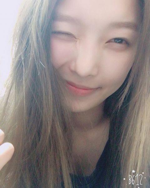 Tags: K-Pop, K.A.R.D, Jeon Somin, Close Up, Wink, Instagram, Selca