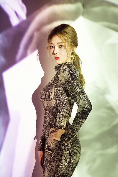 Tags: DSP Media, K-Pop, K.A.R.D, Don't Recall, Jeon Somin, Ponytail, Red Lips, Hand On Hip, Multi-colored Background, Hair Up, Android/iPhone Wallpaper