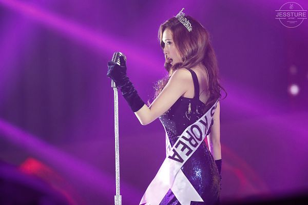 Tags: SM Town, K-Pop, Girls' Generation, Jessica Jung, Sleeveless, Looking Ahead, Bare Shoulders, Back, Tiara, Purple Background, Black Outfit, Bare Back