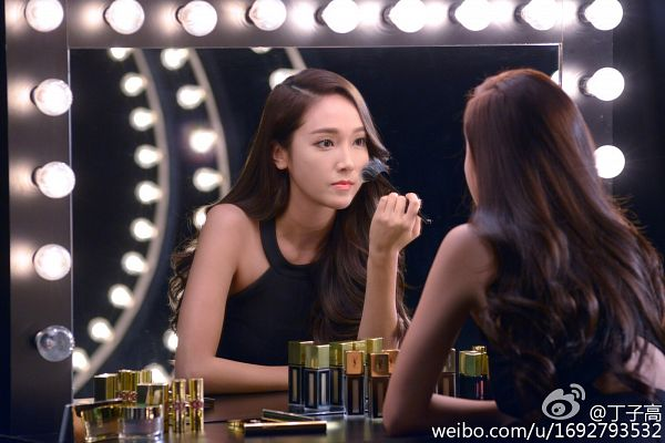 Tags: K-Pop, Girls' Generation, Jessica Jung, Looking At Reflection, Wavy Hair, Reflection, Black Outfit, Dark Background, Black Dress, Foundation, Lights, Sleeveless