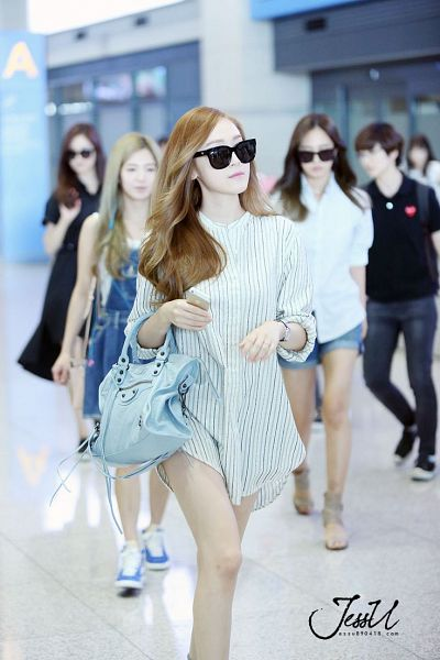 Tags: K-Pop, Jessica Jung, White Dress, Striped Dress, White Outfit, Striped, Walking, Looking Ahead, Glasses, Airport, Bag, Sunglasses