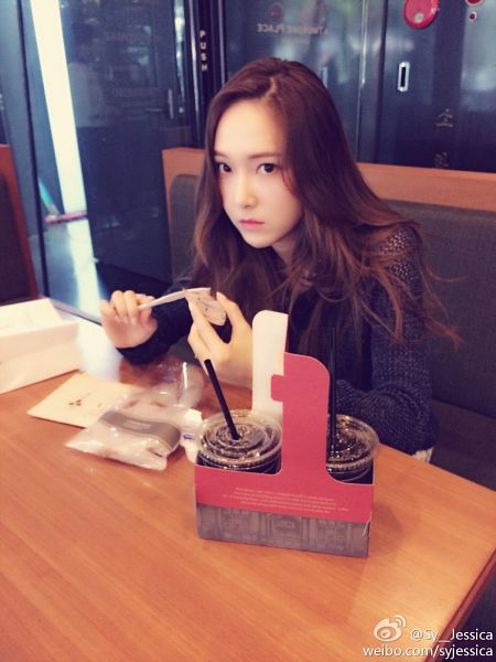 Tags: K-Pop, Jessica Jung, Android/iPhone Wallpaper