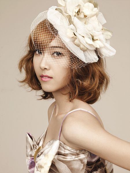 Tags: K-Pop, Girls' Generation, Jessica Jung, Collarbone, White Outfit, Headdress, White Headwear, White Dress, Bare Shoulders, Medium Hair, Sleeveless, Android/iPhone Wallpaper