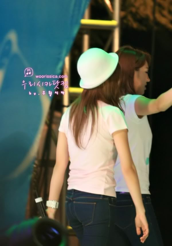 Tags: K-Pop, Girls' Generation, Jessica Jung, Back, Hat, Bracelet, Matching Outfit, White Headwear, Jeans, Woorissica