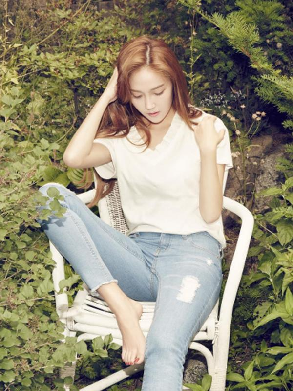 Tags: K-Pop, Jessica Jung, Hand On Shoulder, Jeans, Outdoors, Hand In Hair, Chair, Eyes Half Closed, Barefoot, Looking Down, Sitting On Chair