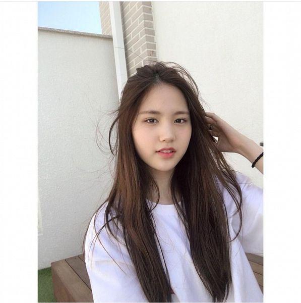 Tags: K-Pop, Sonamoo, Ji Sumin