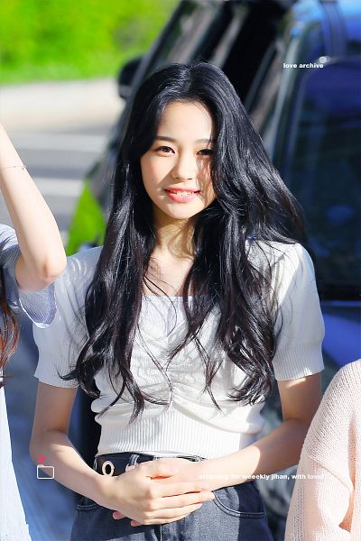 Tags: K-Pop, Weeekly, Jihan