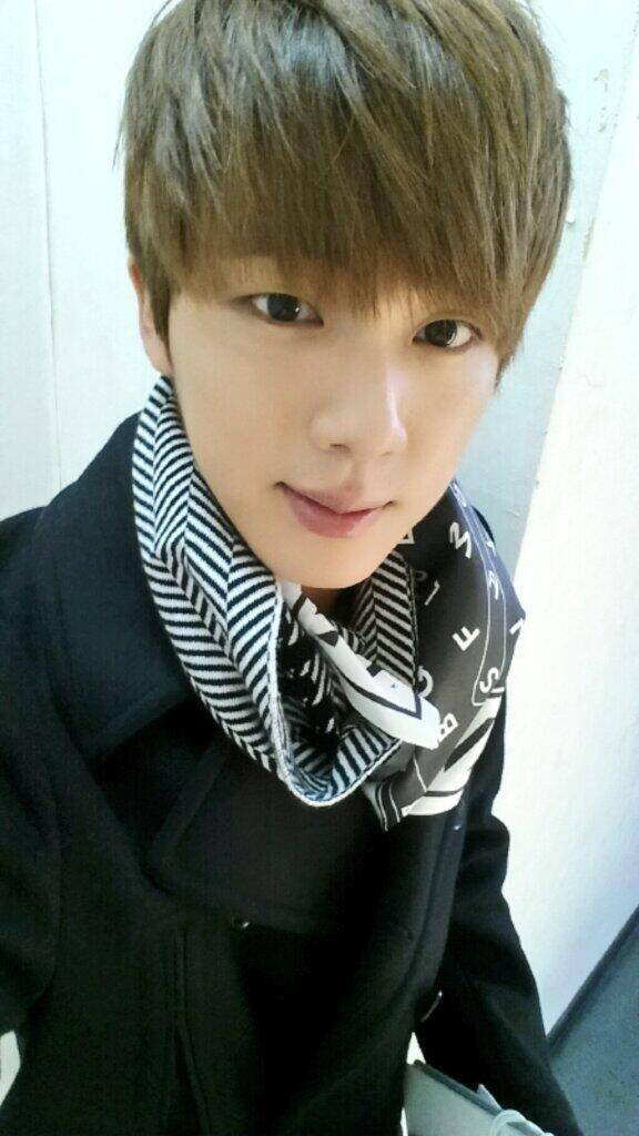 Tags: K-Pop, Bangtan Boys, Jin, Scarf, Black Eyes, Black Outerwear, Selca