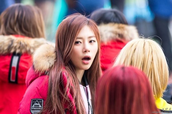 Tags: K-Pop, Minx, Dreamcatcher, Jiu, Red Outerwear, Pink Outerwear, Outdoors, Pink Jacket, Red Jacket, Fdnminx