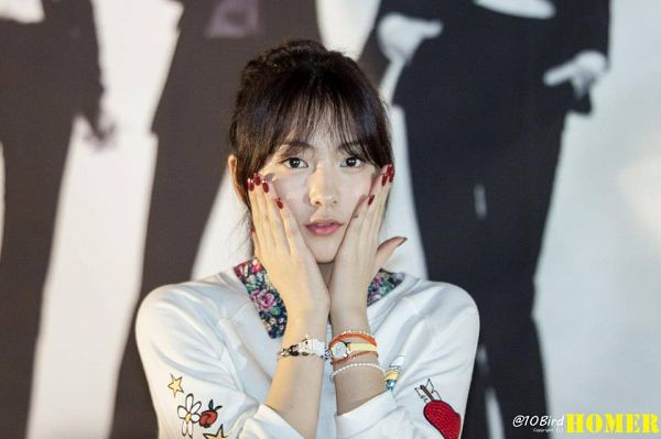 Tags: K-Pop, KARA, Jiyoung Kang, Looking Ahead, Watch, Hand On Head, Hair Up, Nail Polish, Hand On Cheek, Make Up, Bracelet, Homer