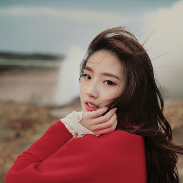 Tags: K-Pop, LOOΠΔ, Let Me In, Jo Haseul, Wind, Hand On Cheek, Flowing Hair, Red Outerwear, Hand On Head