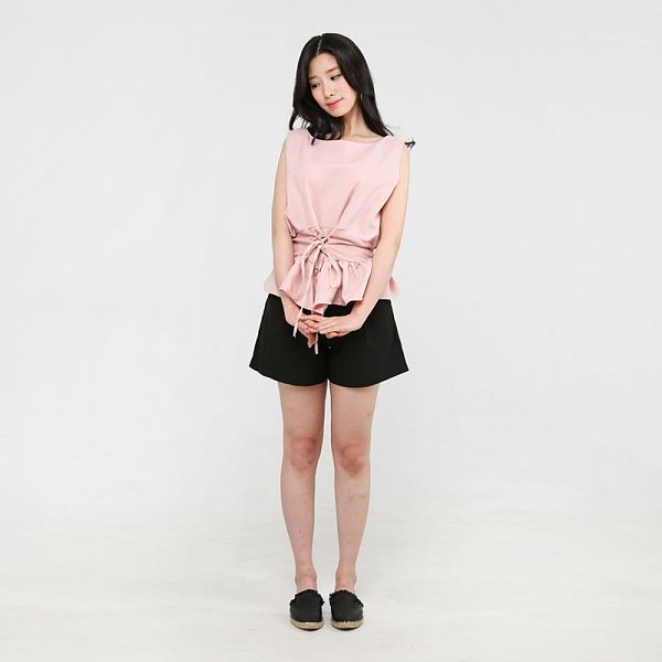 Tags: K-Pop, Berry Good, Johyun, Shoes, Black Shorts, Sleeveless Shirt, Shorts, Pink Shirt, Simple Background, Slippers, Gray Background, Standing