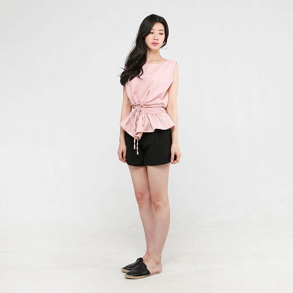 Tags: K-Pop, Berry Good, Johyun, Slippers, Gray Background, Standing, Bare Shoulders, Sleeveless, Black Footwear, Black Eyes, Shoes, Black Shorts