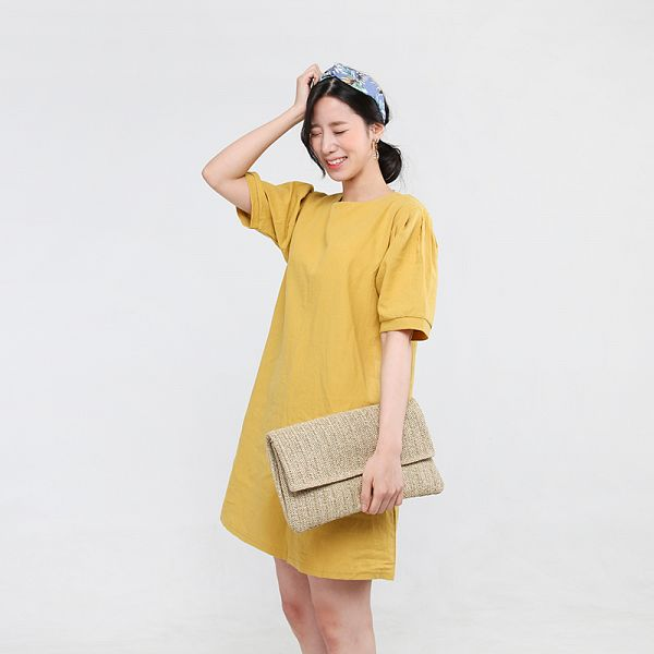 Tags: K-Pop, Berry Good, Johyun, Eyes Closed, Bag, Short Sleeves, Yellow Outfit, Gray Background, Hair Up, Hairband, Yellow Dress, Ponytail