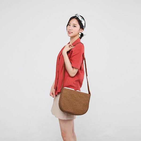 Tags: K-Pop, Berry Good, Johyun, Hairband, Red Shirt, Ponytail, Bag, Short Sleeves, Skirt, White Skirt, Black Eyes, Gray Background