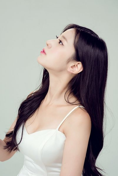 Tags: K-Pop, Berry Good, Johyun, Cleavage, Gray Background, Side View, Sleeveless Shirt, Sleeveless, Bare Shoulders, Black Eyes, Earrings, Looking Up