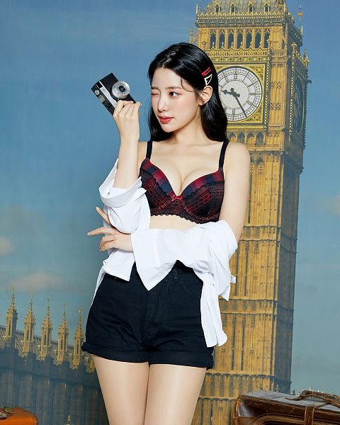 Tags: K-Pop, Berry Good, Johyun, Suggestive, Camera, Bare Legs, Cleavage, Collarbone, Shorts, Black Shorts, Crossed Arms, Lingerie