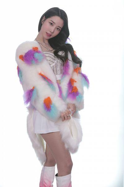 Tags: K-Pop, Berry Good, Johyun, Ring, Black Eyes, Fur Coat, Coat, Fur, Light Background, Necklace, White Skirt, White Background