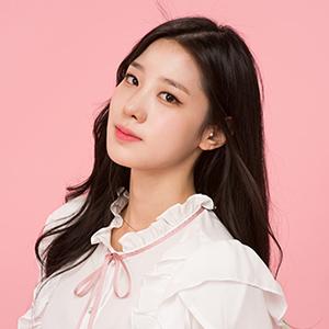Tags: K-Pop, Berry Good, Johyun, Black Eyes, Ribbon, Frills, Pink Background, Pink Neckwear, Free Travel