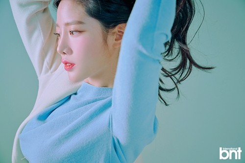 Tags: K-Pop, Berry Good, Johyun, Red Lips, Black Eyes, White Outerwear, Arms Up, Blue Shirt, Make Up, Hair Up, Looking Ahead, Blush (Make Up)