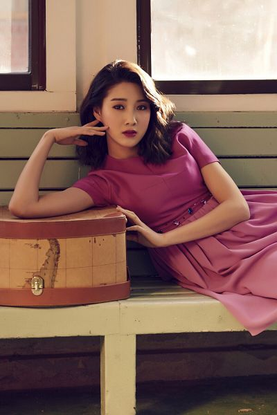 Tags: K-Drama, Joo Da-young, Pink Outfit, Suitcase, Red Lips, Pink Dress, Short Sleeves, Arm Support, Bench, Window, Bag, Medium Hair