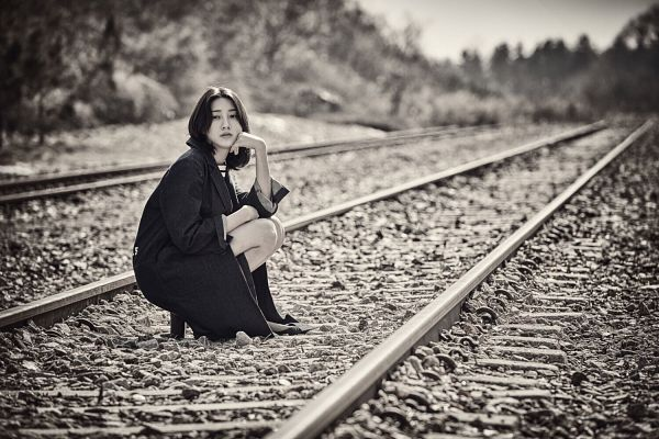 Tags: K-Drama, Joo Da-young, Hand On Head, Monochrome, Arm Support, Crouching, Hand On Cheek, Medium Hair, Railroad Tracks, GanGee, Wallpaper, Magazine Scan