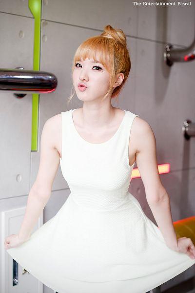Tags: K-Pop, Stellar, Joo Minhee, Mobile Wallpaper