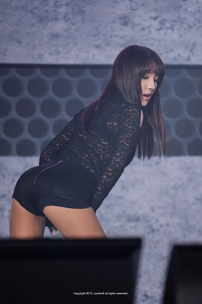 Tags: K-Pop, Stellar, Joo Minhee, Shorts, Suggestive, Eyes Closed, Bare Legs, Bend Over, Black Shorts, Butt, Leather Shorts, Gray Background