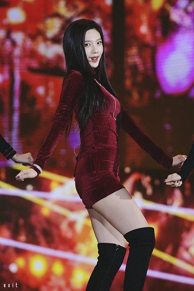 Tags: SM Town, K-Pop, Red Velvet, Joy, Singing, Red Dress, Necklace, Black Footwear, Multi-colored Background, Dancing, Bracelet, Looking Ahead