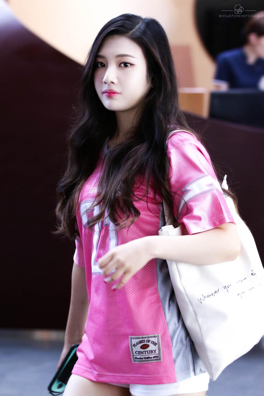 Joy Red Velvet Wallpaper Iphone