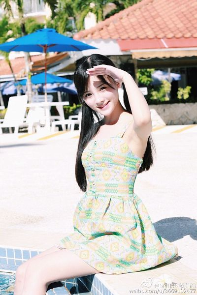 Tags: C-Pop, Ju Jingyi, Armpit, Sitting On Ground, Sleeveless Dress, In Water, Salute, Sleeveless, Bare Shoulders, Water, Outdoors, Twin Tails