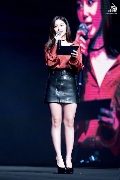 Tags: K-Pop, Secret, Jun Hyoseong, Red Outfit, Looking Away, Looking Up, Shoes, Bare Legs, Red Dress, High Heels, Choker, Leather Skirt